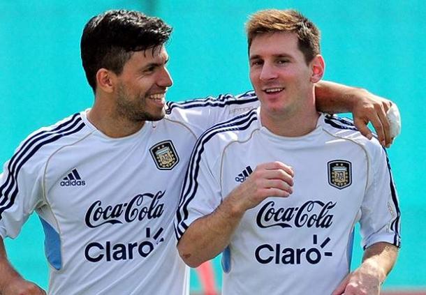 Sergio Aguero Bakal Rayu Lionel Messi Ke Manchester City